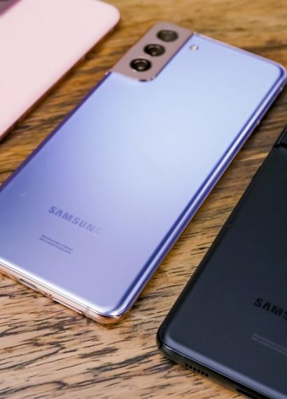 Galaxy S21 vs. Galaxy S20: Comparing Samsung phone price, features and more